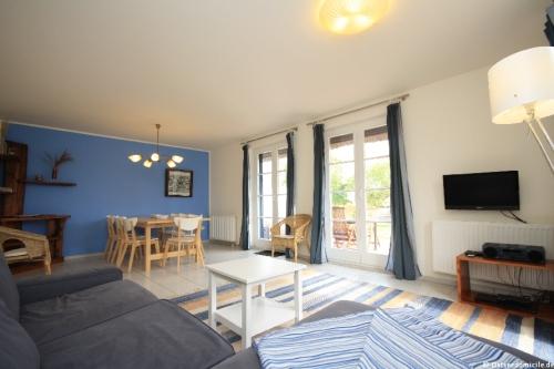 Wohn- /Essbereich – Ferienhaus Boddenblick