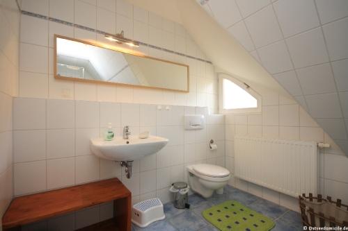 Badezimmer I – Ferienhaus Boddenblick