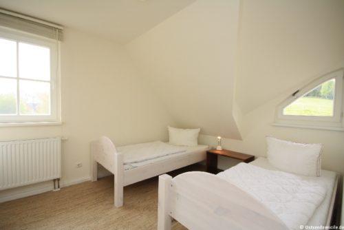 Schlafzimmer II – Ferienhaus Boddenblick