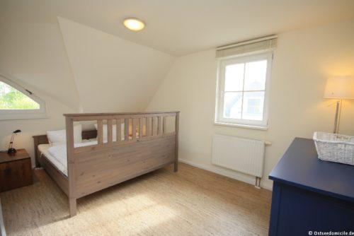 Schlafzimmer I – Ferienhaus Boddenblick