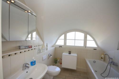 Badezimmer (Obergeschoss) – Ferienhaus Sonnenwiese